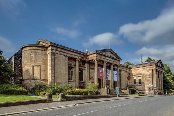 Attractions and Places to Visit in Paisley